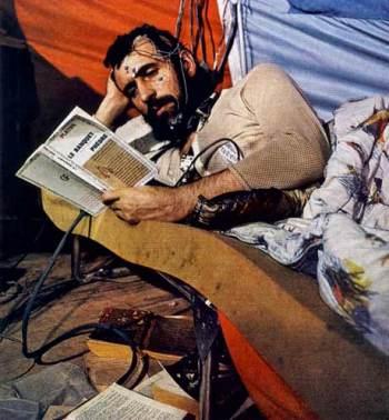 Michel Siffre, leyendo bajo tierra.