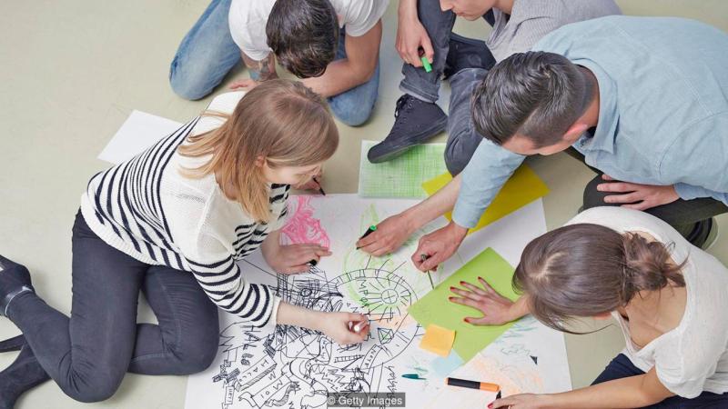 Las percepciones del tacto pueden estimular partes del cerebro que se asocian con la creatividad y la innovación.